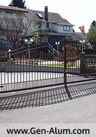 Double Swing Driveway Gate, Burnaby