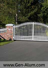 Double Swing Driveway Gate, South Surrey